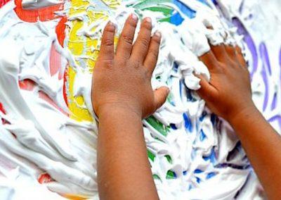 reggio-paint-hands